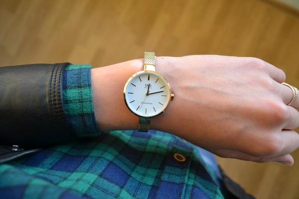 Женские часы Q&Q QA15J001Y 0